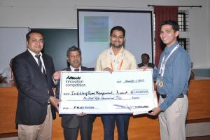 Dr. Aman Sayed, general manager South Asia Alltech, and Dr. H. Shivanna, vice chancellor, UAS GKVK, felicitating winners of the Alltech Innovation Competition 2015 from the Institute of Rural Management Anand